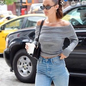 Aritzia Wilfred Croquis off the shoulder sweater